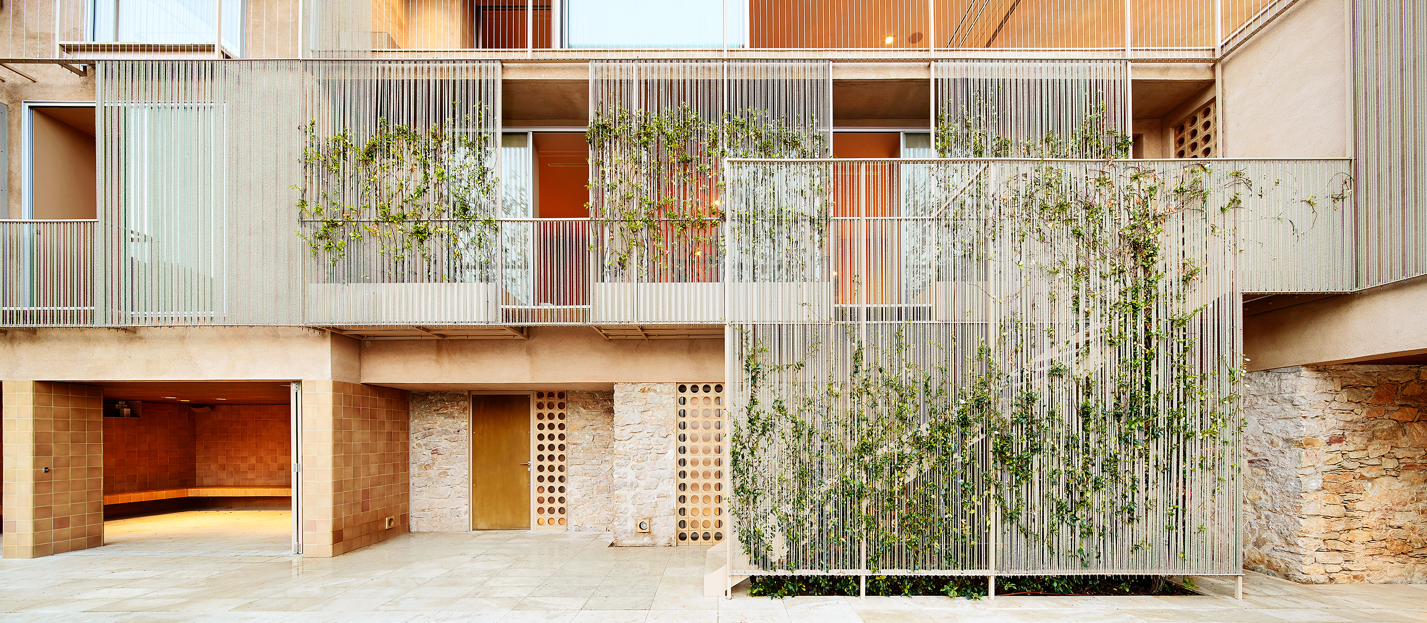 scaffold house - refurbishment of a single family house in Begur, Girona